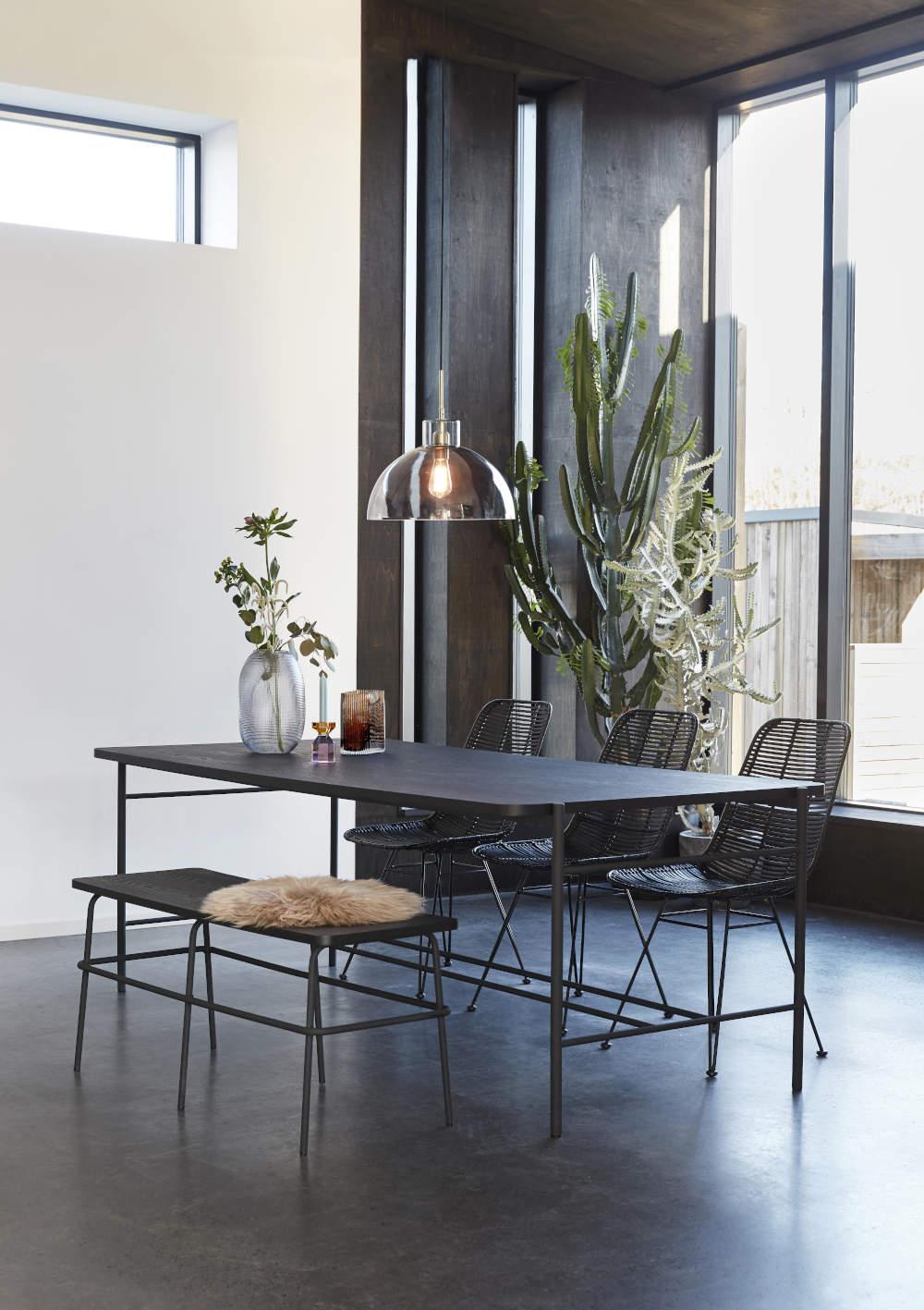 Esstisch aus Holz und Metall schwarz